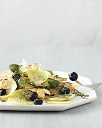 Fwkohlrabi-Fennel-and-Blueberry-Salad