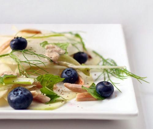 Kohlrabi blueberry salad v2