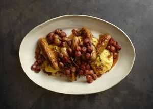 Bacreamy-polenta-with-sausages-and-roasted-grapes-646