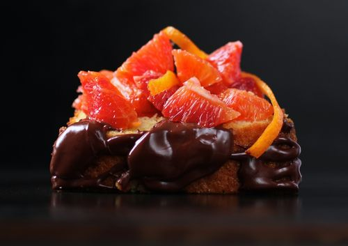 Olive oil cake with orange and chocolate