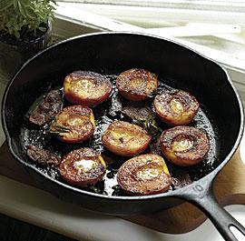 051118077-01-sugar-roasted-peaches-recipe