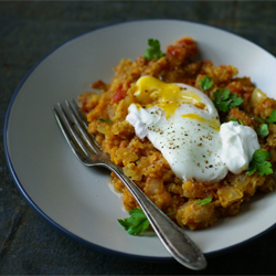 Lentils with poached egg 250
