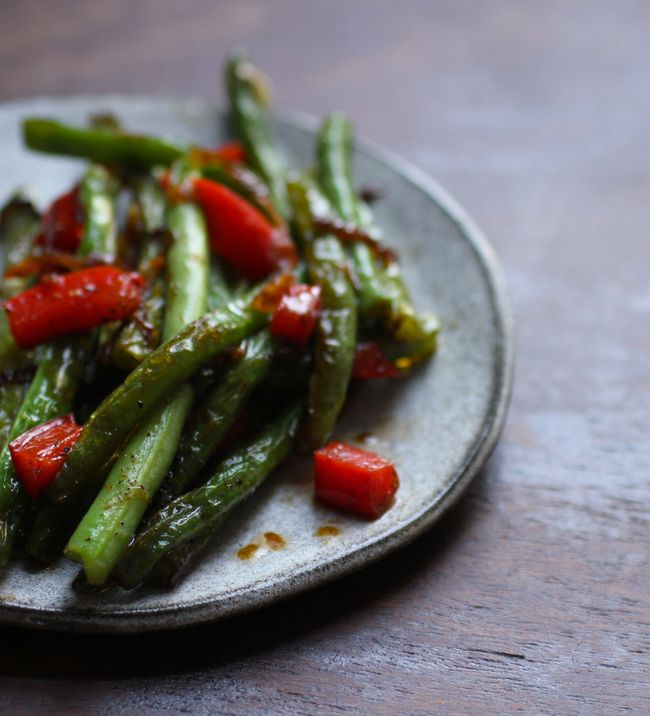 Chinese beans with cracked black pepper
