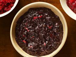 FNM_110112-All-Star-Cranberry-Sauce-2_s4x3_lg