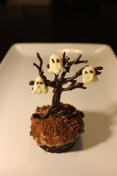 FN_Haunted Forest Cupcakes