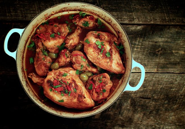 Full pot of spanish chicken