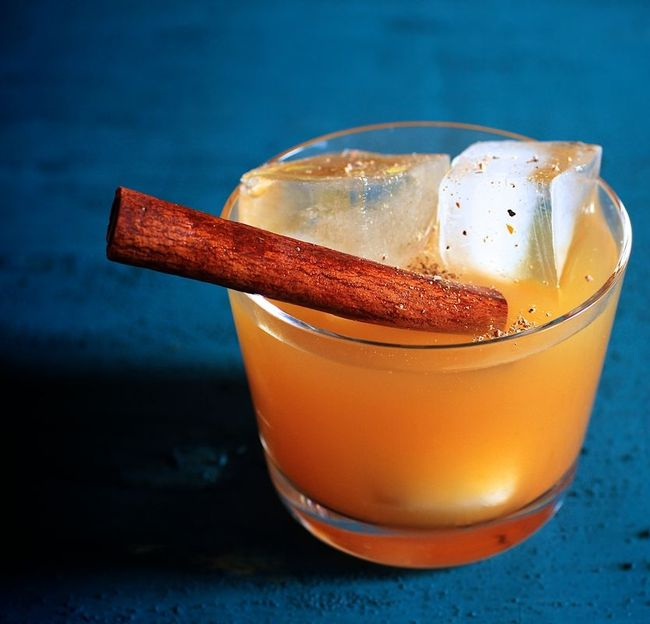 Pilgrimate cocktail with pumpkin butter