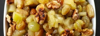 Tart apple chutney