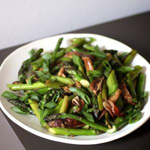 Stir-Fried Asparagus with Shiitake Mushrooms sq