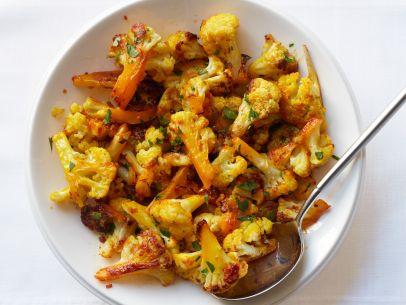 FNM0_50114-Saffron-Roasted-Cauliflower-Recipe_s4x3.jpg.rend.sni12col.landscape