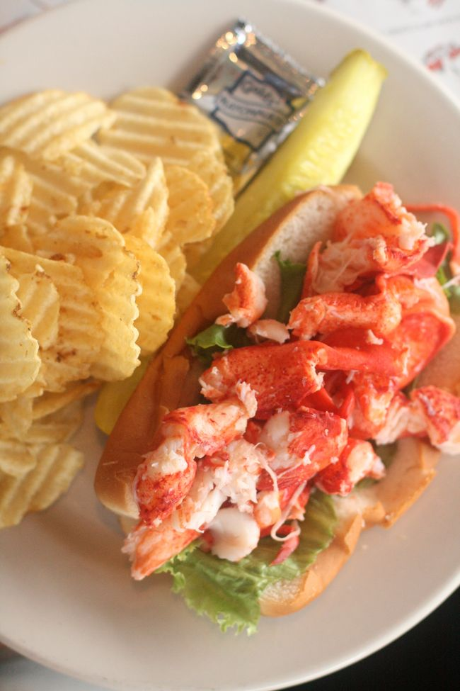 J's lobster roll