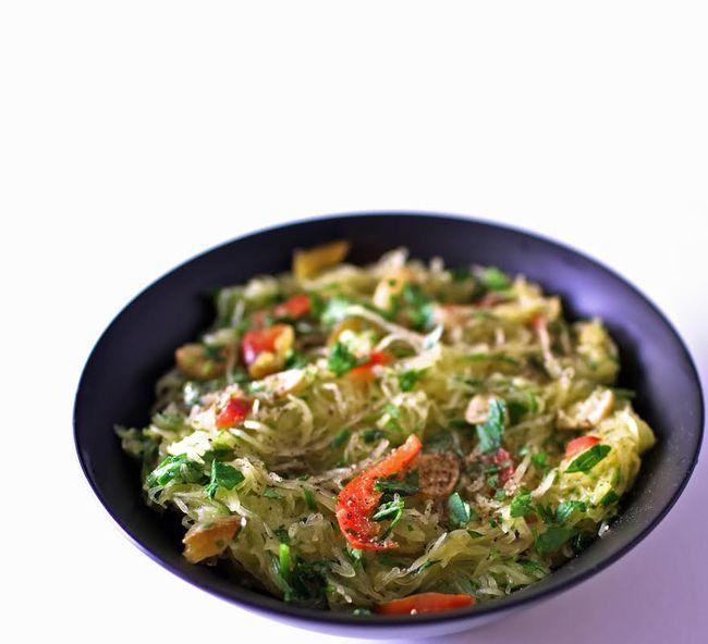 Garlic herb spaghetti squash