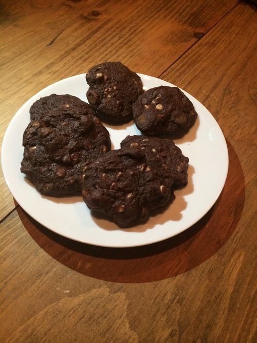 Triple Chocolate-Cherry Cookies Lucy