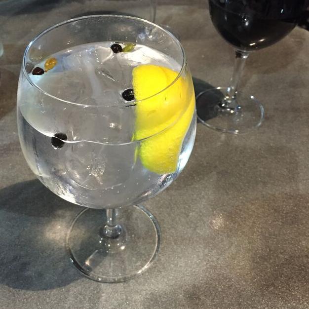Gin and tonic atari