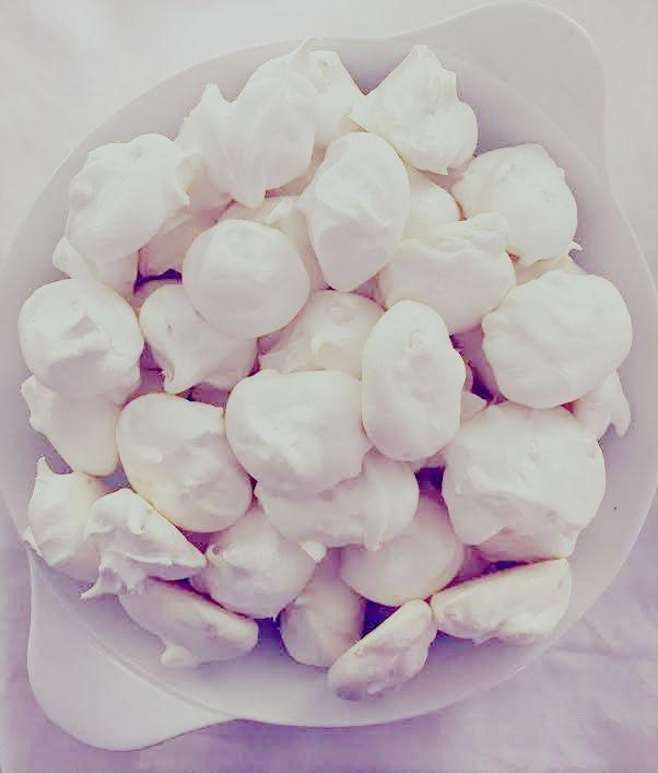 Peary meringues