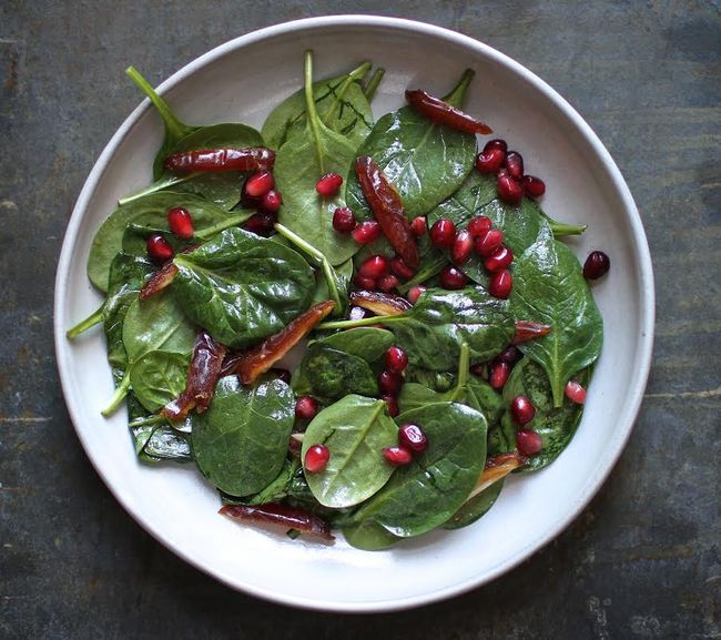 Spinach Salald with Pomegranate Vinaigrette